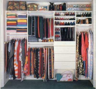 4 pasos para reorganizar tu guardarropa - Como ordenar tu armario ...
